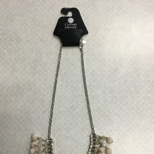 Primary Photo - BRAND:    CLOTHES MENTOR STYLE: NECKLACE COLOR: CREAM OTHER INFO: CM - SKU: 313-31349-2019