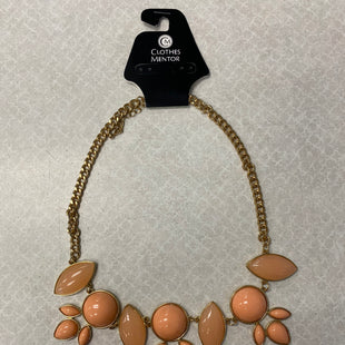 Primary Photo - BRAND:    CLOTHES MENTOR STYLE: NECKLACE COLOR: PEACH SKU: 313-31344-12835