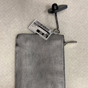 Primary Photo - BRAND: EXPRESS STYLE: MAKEUP BAG COLOR: SILVER SKU: 313-31349-3281