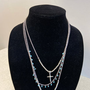 Primary Photo - BRAND:    CLOTHES MENTOR STYLE: NECKLACE COLOR: SILVER SKU: 313-31311-28483