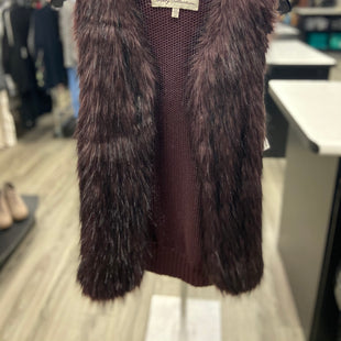 Primary Photo - BRAND:    CLOTHES MENTOR STYLE: VEST DOWN COLOR: MAROON SIZE: S OTHER INFO: SEBBY COLLECTION - SKU: 313-31349-1643