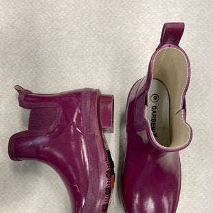 Primary Photo - BRAND:    CLOTHES MENTOR STYLE: BOOTS RAIN COLOR: PURPLE SIZE: 6 OTHER INFO:  GARDENLINE - SKU: 313-31349-3913