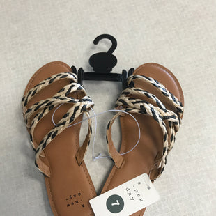 Primary Photo - BRAND: A NEW DAY STYLE: SANDALS FLAT COLOR: BLACK WHITE SIZE: 7 SKU: 313-31332-8930