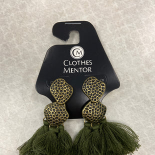 Primary Photo - BRAND:    CLOTHES MENTOR STYLE: EARRINGS COLOR: HUNTER GREEN SKU: 313-31344-18270