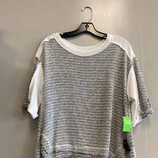 Primary Photo - BRAND: BKE STYLE: TOP SHORT SLEEVE COLOR: GREY SIZE: XS SKU: 313-31332-6812