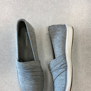 Primary Photo - BRAND: GRASSHOPPERS STYLE: SHOES FLATS COLOR: GREY SIZE: 8 SKU: 313-31344-18869