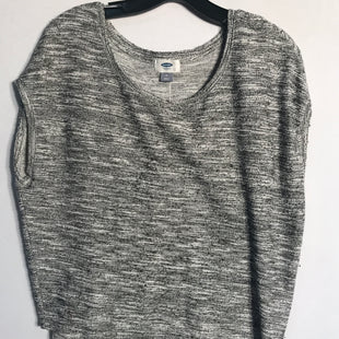 Primary Photo - BRAND: OLD NAVY STYLE: TOP SHORT SLEEVE COLOR: GREY SIZE: M SKU: 313-31311-23805