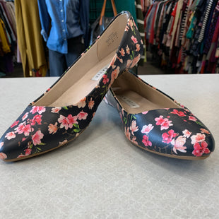 Primary Photo - BRAND: KELLY AND KATIE STYLE: SHOES FLATS COLOR: FLORAL SIZE: 8.5 SKU: 313-31328-33483