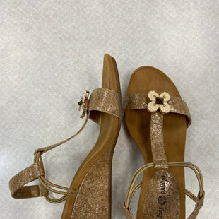Primary Photo - BRAND: LINDSAY PHILLIPS STYLE: SANDALS LOW COLOR: GOLD SIZE: 6 SKU: 313-31311-31224