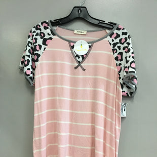 Primary Photo - BRAND: ADORE STYLE: TOP SHORT SLEEVE COLOR: ANIMAL PRINT SIZE: L SKU: 313-31349-1515
