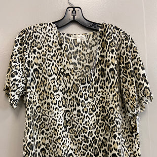 Primary Photo - BRAND:    CLOTHES MENTOR STYLE: TOP SHORT SLEEVE COLOR: ANIMAL PRINT SIZE: L OTHER INFO: NINE BRITTON - SKU: 313-31344-18407