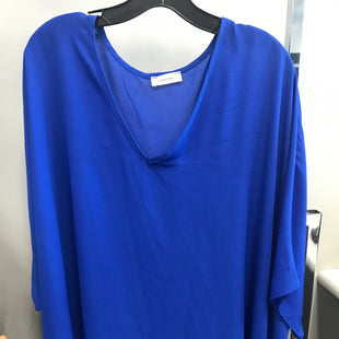 Primary Photo - BRAND:    CLOTHES MENTOR STYLE: TOP SHORT SLEEVE COLOR: BLUE SIZE: L OTHER INFO: ADRIENNE - SKU: 313-31349-1371