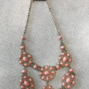 Primary Photo - BRAND:    CLOTHES MENTOR STYLE: NECKLACE COLOR: PEACH SKU: 313-31328-34952