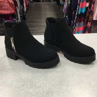 Primary Photo - BRAND:    CLOTHES MENTOR STYLE: BOOTS ANKLE COLOR: BLACK SIZE: 10 OTHER INFO: DUNES - SKU: 313-31311-31756