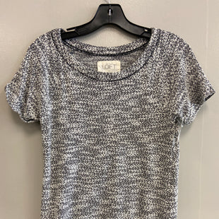 Primary Photo - BRAND: ANN TAYLOR LOFT O STYLE: TOP SHORT SLEEVE COLOR: GREY SIZE: S SKU: 313-31344-15686