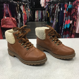 Primary Photo - BRAND: CATHERINES STYLE: BOOTS ANKLE COLOR: BROWN SIZE: 7.5 SKU: 313-31352-461