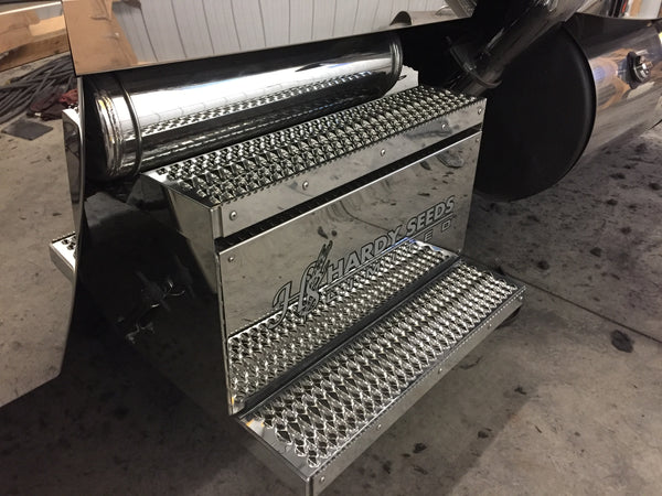 Peterbilt Aluminum battery box with air tank