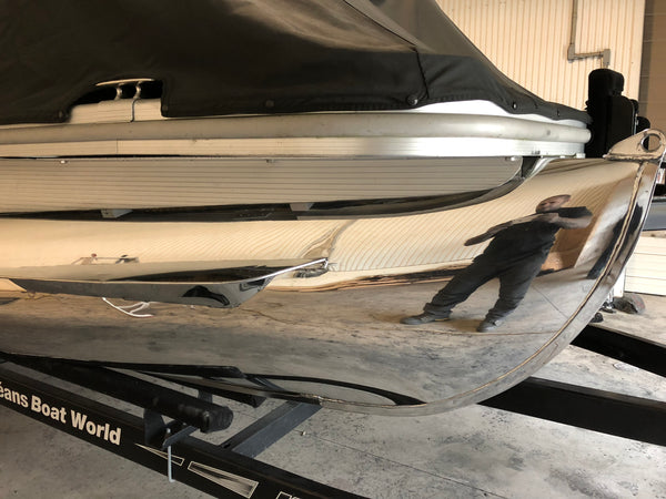 Pontoon Boat Aluminum Polishing