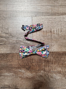 Floral Feeling Bow Tie