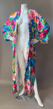 Load image into Gallery viewer, 1980s Watercolor Floral Kimono Robe
