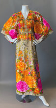 Load image into Gallery viewer, Stunning Vintage Hilo Hattie Kimono Maxi Dress