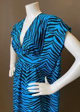 Load image into Gallery viewer, O'pell Blue Tiger Print Petite Caftan