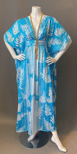 Load image into Gallery viewer, O'pell Swimming Pool Chic Short Torso Narrow Caftan