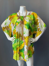 Load image into Gallery viewer, Vintage Mod Accordion over Up Tunic Caftan Blouse