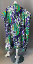 Load image into Gallery viewer, O'pell Psychedelic Print Short Torso Caftan