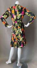 Load image into Gallery viewer, Cute Mod Floral Print Day Dress