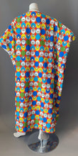 Load image into Gallery viewer, O'pell Op Art Mod Print Long Torso Caftan and Matching Mask