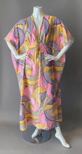 Load image into Gallery viewer, O'pell Mod Swirl Print Long Torso Caftan with Matching Mask