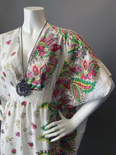 Load image into Gallery viewer, O'pell Mod Floral Border Print Cotton Short Torso Caftan