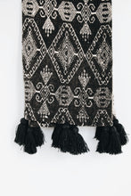 Load image into Gallery viewer, BLACK & WHITE TRIBAL PATTERN RAW COTTON THROW WITH TASSELS