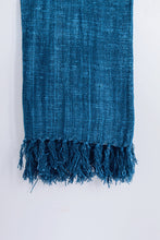 Load image into Gallery viewer, BLUE RAW COTTON THROW WITH FRINGES