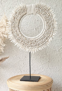 ROUND SHEEL NECKLACE DECOR
