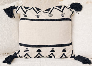 AZTEC PATTERN AND BLACK TASSEL CUSHION COVER 50X50