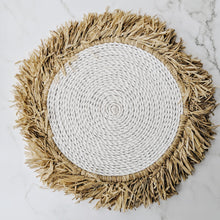 Load image into Gallery viewer, FRINGE RAFFIA NATURAL AND WHITE PLACE MAT