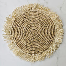 Load image into Gallery viewer, FRINGE NATURAL RAFFIA PLACE MAT