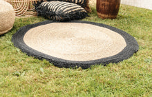 Load image into Gallery viewer, ROUND NATURAL AND BLACK WATER HYACINTH GRASS RUG 120cm