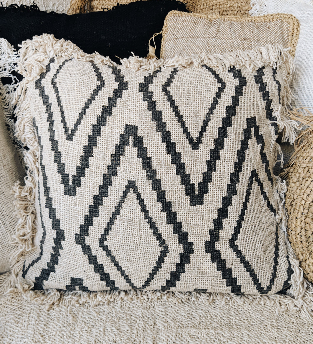 DIAMOND PATTERN RAW COTTON CUSHION COVER