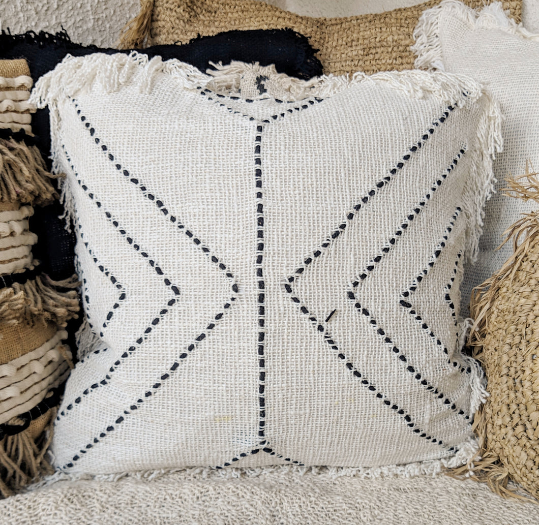 AZTEC PATTERN WHITE RAW COTTON CUSHION COVER