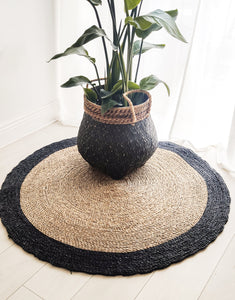 ROUND NATURAL AND BLACK WATER HYACINTH GRASS RUG 120cm