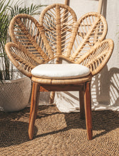 Load image into Gallery viewer, FLOWER RATTAN CHAIR WITH CUSHION