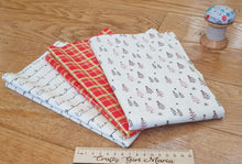 Load image into Gallery viewer, Merry Little Christmas: cotton fat quarter bundle of 3 fabrics. Riley Blake.