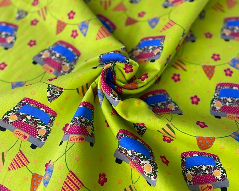 Vintage limegreen car cotton crafting / quilting fabric. Hearts and bunting. By the metre.