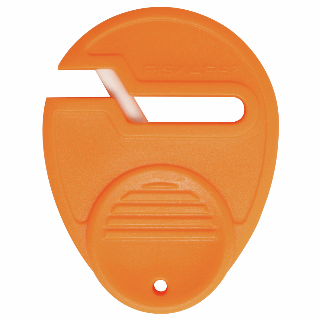 Scissor sharpener restorer by Fiskars