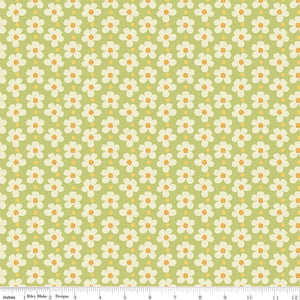 Daisy Blossoms Green: Strawberry Jam cotton fabric. Riley Blake. Floral quilting and dressmaking.