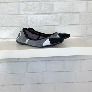 Primary Photo - BRAND: SKECHERS STYLE: SHOES FLATS COLOR: BLACK WHITE SIZE: 6.5 OTHER INFO: AS IS SKU: 283-283104-9307