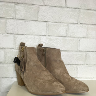 Primary Photo - BRAND:    CLOTHES MENTOR STYLE: BOOTS ANKLE COLOR: TAN SIZE: 8 OTHER INFO: CELEBRITY - SKU: 283-283149-4749